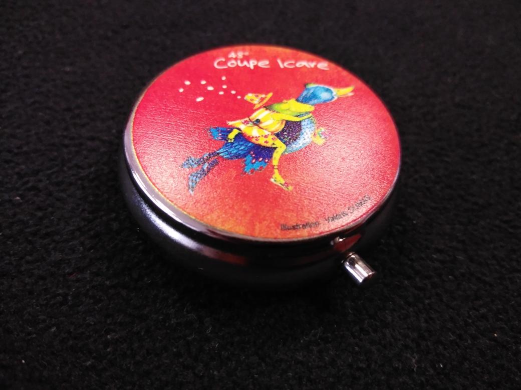 Autres objets: Bons cadeaux, Magnets, Porte-clé, Tapis de souris, Livre...
