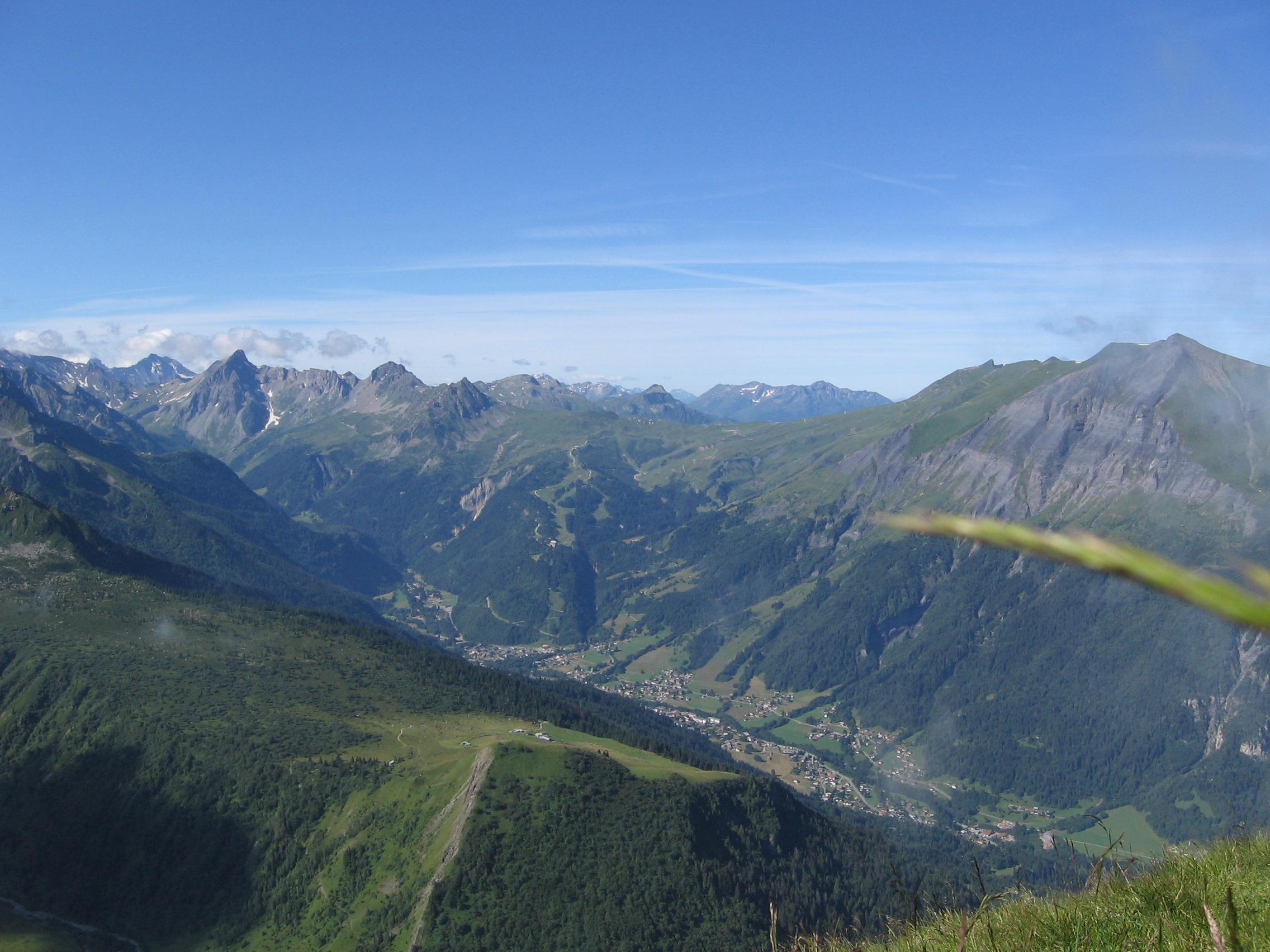 Plateau du Truc depuis le col du Tricot ©